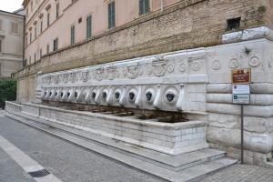 Fontana delle 13 cannelle, Ancona